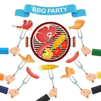 Przenośny okrągły grill z kiełbasą grillową, stekiem wołowym, smażonym kurczakiem, warzywami mięsnymi. piknik z grillem, przyjęcie rodzinne.