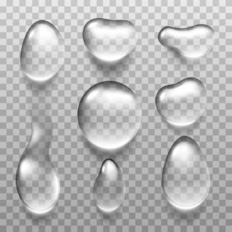 Przezroczysta kropla wody na jasnoszarym tle