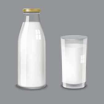 Przezroczysta szklana butelka i szklane mleko