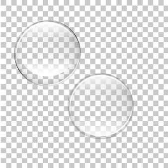 Przezroczyste bąbelki na białym tle