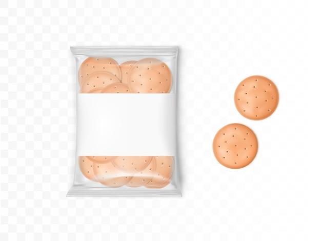 Przezroczyste plastikowe opakowanie z okrągłymi krakersami