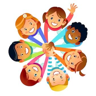 Przyjaciele dzieci z całego świata wokół swoich rąk. wielonarodowa przyjaźń dzieci przyjaciół świata. kreskówki akcyjna wektorowa ilustracja odizolowywająca na białym tle.