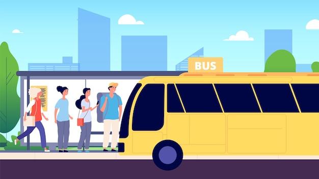 Przystanek autobusowy. komunikacja miejska, ludzie czekający na autobusy. ulica miejska, droga, mężczyźni i kobiety. ilustracja wektorowa transportu publicznego. miejski autobus uliczny, transport drogowy