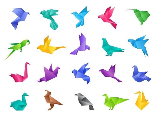 Ptaki origami. stylizowane wielokątne gołąbki geometryczne abstrakcyjne kształty z czystego papieru wektorowego zwierząt izolowanych. ilustracja gołąb i ptak gołąb, papier wielokątne zwierzę origami