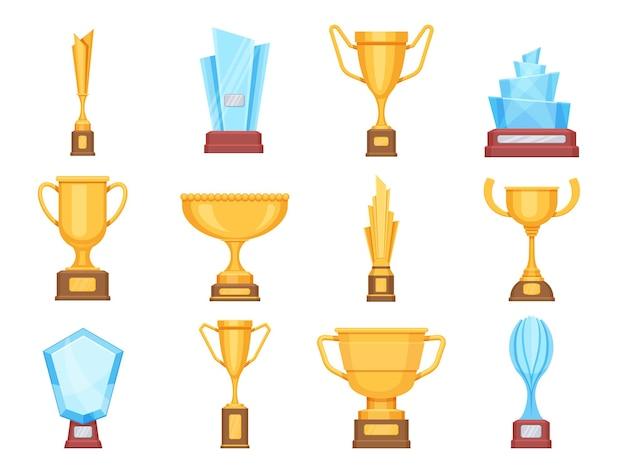 Puchary ze złotym trofeum. szklane i złote trofea dla sportu lub zawodów. kryształowe nagrody i nagrody dla zwycięzcy płaski wektor zestaw. trofeum i puchar, nagroda i ilustracja nagrody