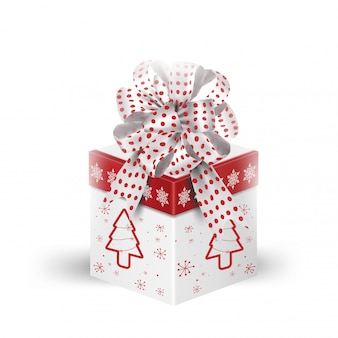 Pudełko na prezent na białym tle