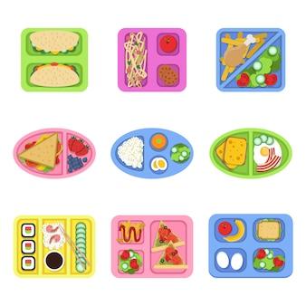 Pudełko śniadaniowe. szkolna świeża zdrowa żywność w plastikowych pojemnikach z warzywami, posiłkiem i pokrojonymi produktami na śniadanie. kino