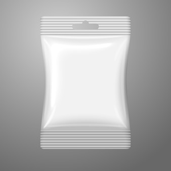 Pusta Biała Plastikowa Saszetka Z Otworem Do Zawieszania Na Gotówce I Miejscem Na Twój Projekt, Branding. Premium Wektorów