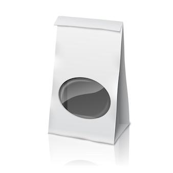 Pusta biała realistyczna papierowa torba do pakowania z przezroczystym okienkiem i miejscem na twój projekt, branding.