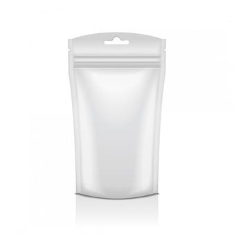 Pusta folia na żywność lub kosmetyki w saszetce z białym workiem do pakowania z zamkiem błyskawicznym. temlate