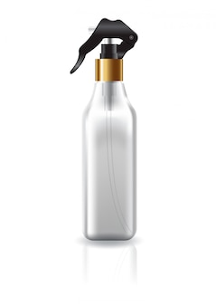 Pusta, przezroczysta, kwadratowa butelka kosmetyczna z głowicą natryskową.