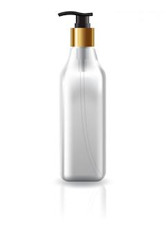 Pusta przezroczysta kwadratowa butelka kosmetyczna z głowicą pompy.