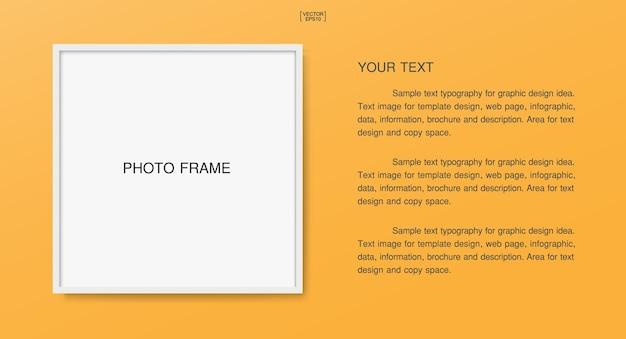 Pusta pusta ramka na zdjęcia lub ramka na zdjęcie na tle plakatu