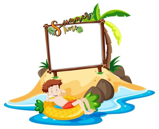 Pusta tablica banerowa z chłopcem na plaży na białym tle