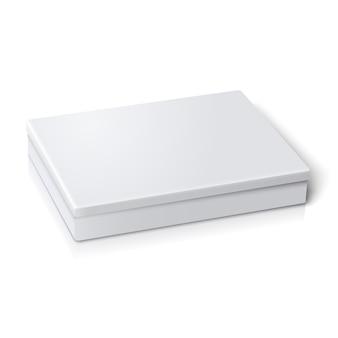 Puste białe opakowanie płaskie pudełko leżące na białym tle na białym tle z odbiciem. do projektowania i brandingu.