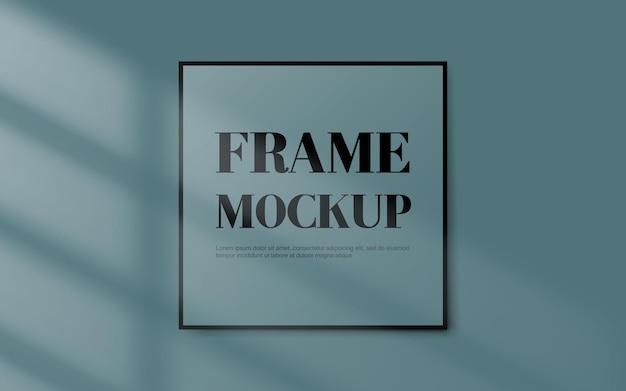 Puste czarne obramowanie ramki na pastelowym niebieskim tle z okna światła cienia. ilustracja wektorowa
