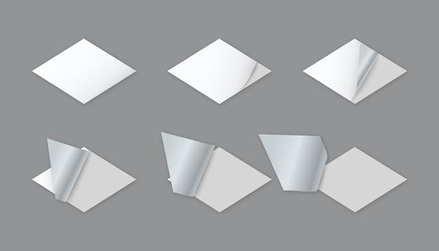 Puste naklejki papierowe w kształcie rombu z zawiniętym rogiem