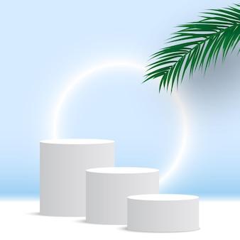 Puste okrągłe białe podium z platformą do wyświetlania produktów kosmetycznych z liści palmowych leaves