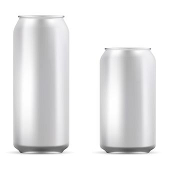 Puste puszki aluminiowe ustawione na piwo, sodę, lemoniadę