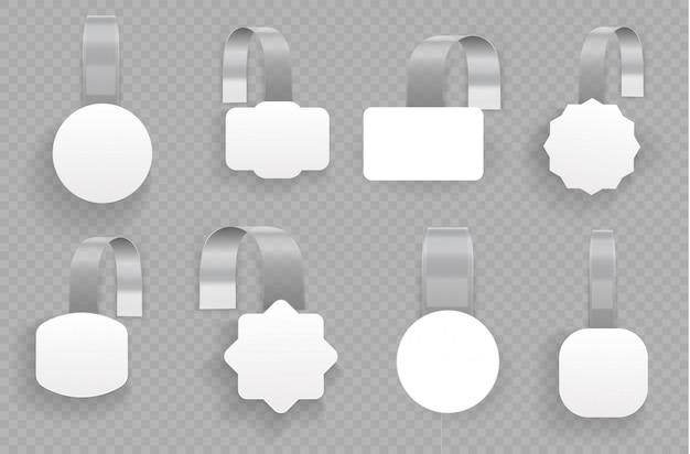 Pusty biały okrągły wobler 3d. białe puste woblery reklamowe na przezroczystym tle. koncepcja sprzedaży promocyjnej, metka z ceną w supermarkecie. etykiety kwadratowe do sprzedaży papierowej.