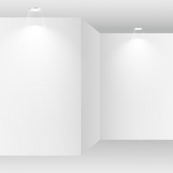 Pusty biały pokój z oświetlenie punktowe