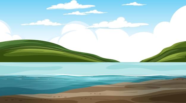 Pusty krajobraz przyrody w scenie dziennej z górskim tłem