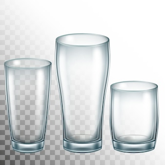 Pusty kubek ze szkła do picia. przezroczyste szkło.