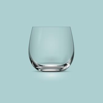 Pusty przezroczysty szklany kubek do picia