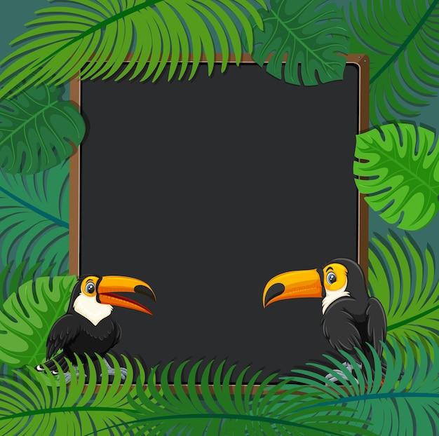 Pusty sztandar z ramą tropikalnych liści i postacią z kreskówki tukana