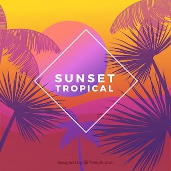 Raj tropikalna plaża z pięknym zachodem słońca