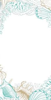 Rama pionowa z muszelkami.