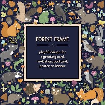 Rama wektor kwadratowy układ ze zwierzętami i elementami lasu. ładny zabawny szablon karty leśnej.