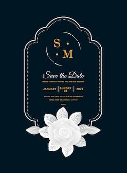 Rama z białym kwiatem