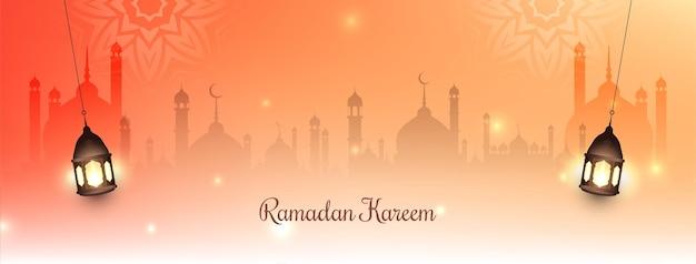 Ramadan kareem banner festiwalu z islamskimi latarniami wektorem