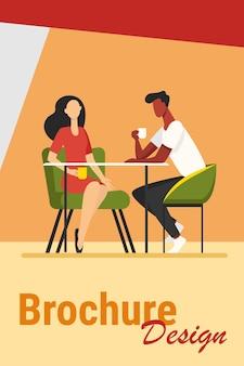 Randki w kawiarni. młody mężczyzna i kobieta razem picie kawy płaskie ilustracji wektorowych. romantyczne spotkanie, romantyczny pomysł na baner, projekt strony internetowej lub landing page