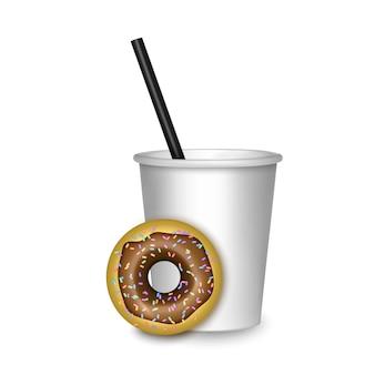 Realistyczna kawa i deser