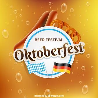 Realistyczna kompozycja na oktoberfest z precelą i kiełbasą