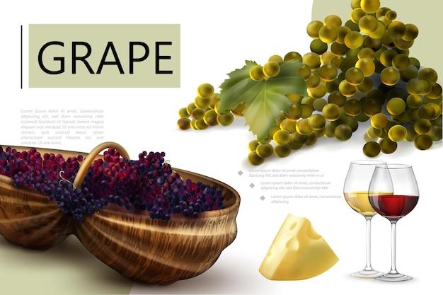 Realistyczna kompozycja świeżych winogron z białymi i czerwonymi winogronami kiście sera drewniana beczka butelki kieliszki wina