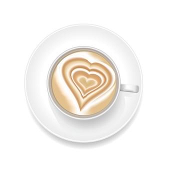 Realistyczna pianka coffee art z kształtem serca. widok z góry