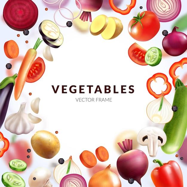 Realistyczna ramka warzyw z pustym miejscem na edytowalny tekst i okrągłą kompozycją świeżych plasterków owoców