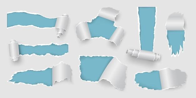 Realistyczna strona z podartymi i podartymi otworami oraz rolką papieru. białe zgrywanie ramki na sprzedaż plakat. zestaw wektorów rozdartych i postrzępionych kawałków papieru