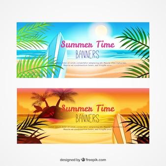 Realistyczne banery na plaży z liści palmowych