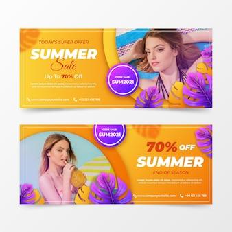 Realistyczne banery sprzedaży letniej ustawione ze zdjęciem