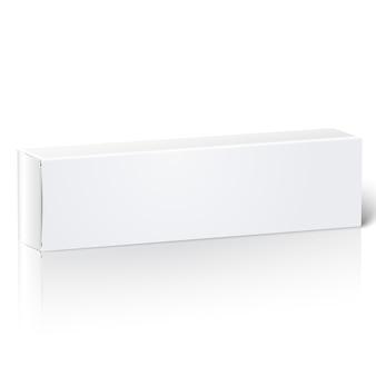 Realistyczne białe pudełko puste papier do podłużnych rzeczy - pasty do zębów, kosmetyków, leków itp. pojedynczo na białym tle z odbiciem do projektowania i marki.