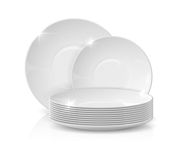 Realistyczne dania. stos talerzy i misek, 3d białe ceramiczne naczynia, na białym tle makieta naczyń