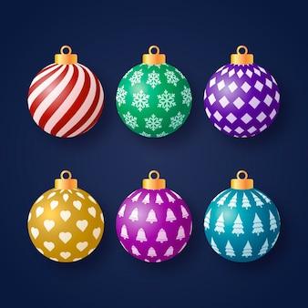 Realistyczne kolorowe ozdoby świąteczne kulki