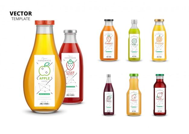 Realistyczne opakowania szklanych butelek ze świeżym sokiem z etykietami