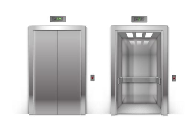 Realistyczne otwarte i zamknięte drzwi windy metalowej budynku biurowego chrome na białym tle na tle