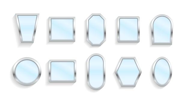 Realistyczne puste lustra z odbiciem. makijaż lub meble wewnętrzne odbijające szklane powierzchnie. odblaskowa powierzchnia lustra w srebrnej ramie, lustrzane odbicie wnętrza.