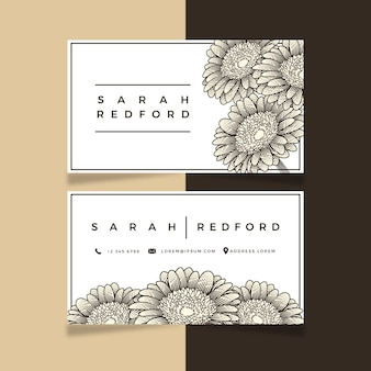 Realistyczne ręcznie rysowane szablon kwiatowy wizytówki